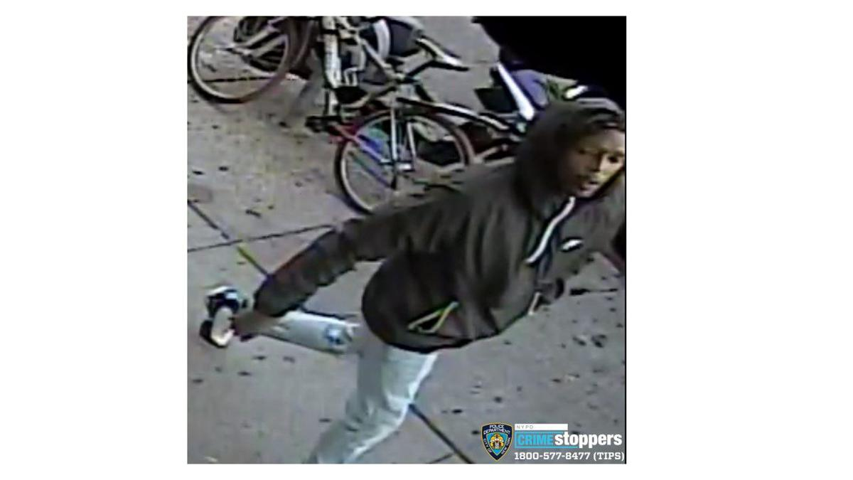WITH VIDEO: Duo wanted for armed robberies in western Queens 3