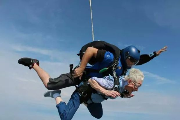 Louise Wise sky dives