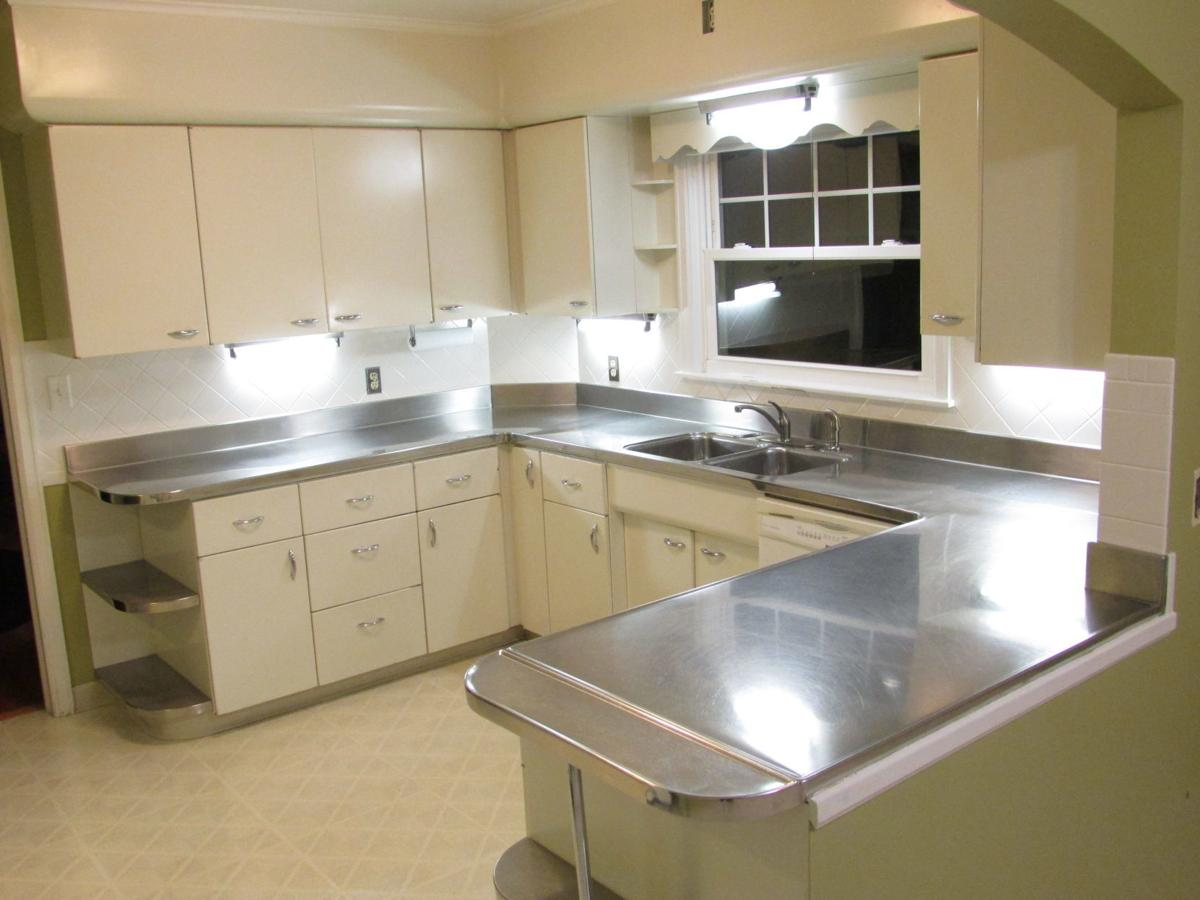 Bettendorf Home Boasts One Of A Kind Stainless Steel Countertop
