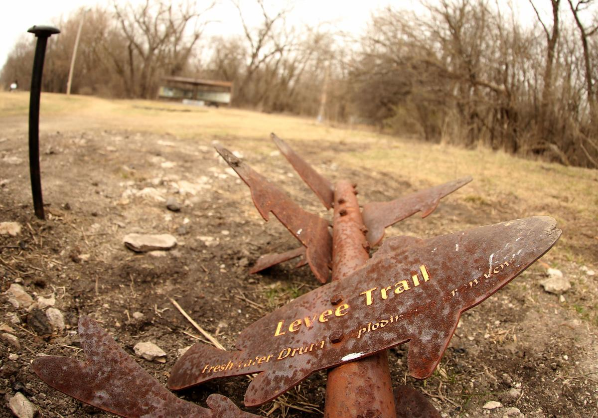 Sylvan trail marker