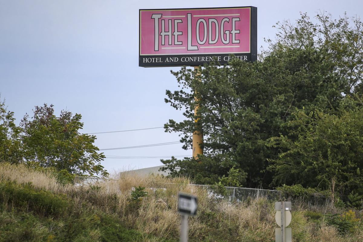 092717-THE-LODGE-002