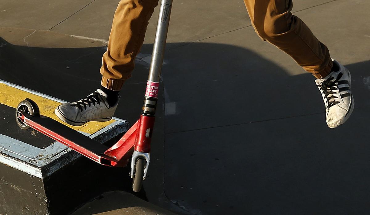 120317-skates-009
