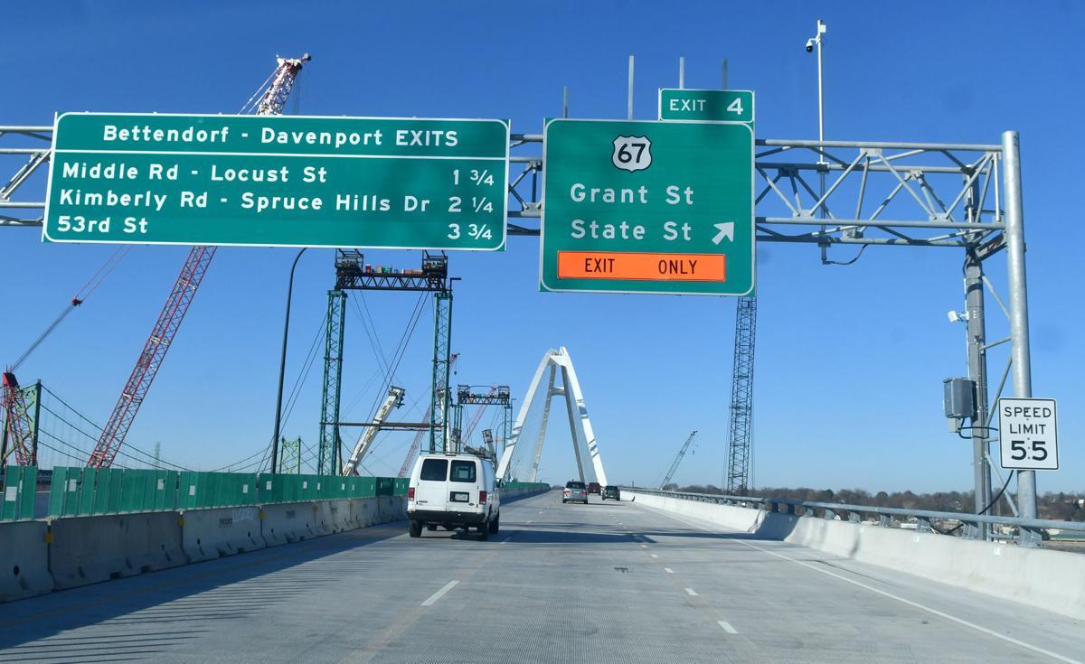 111420-qc-nws-bridge-047
