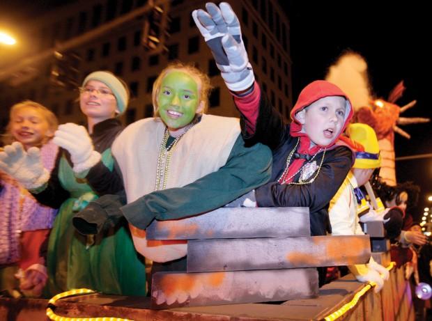 Halloween parade HALLOWEEN_PARADE_02_CC_00008547A
