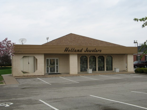 Holland Jewelers To Close After Almost