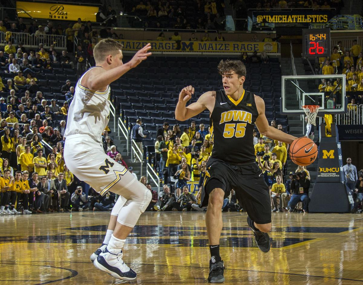Iowa Michigan Basketball
