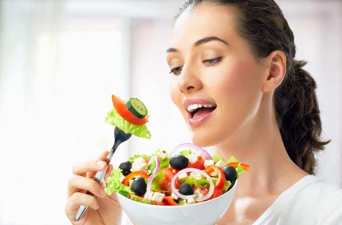 Start the Week Off Right: Healthy eating habits for New Year's
