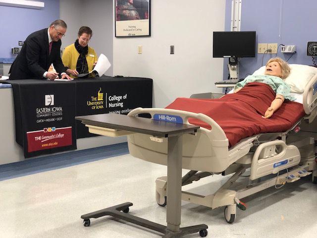 New Partnership Lets Eicc Nursing Students Earn A Bachelors Degree