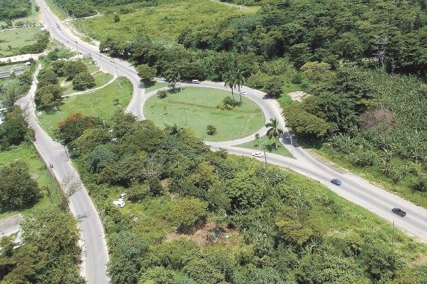 Muscatine engineers design highway in Jamaica