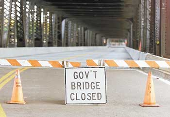 Government Bridge closes