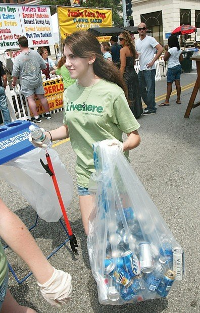 Environmental Club students pitch in to clean up