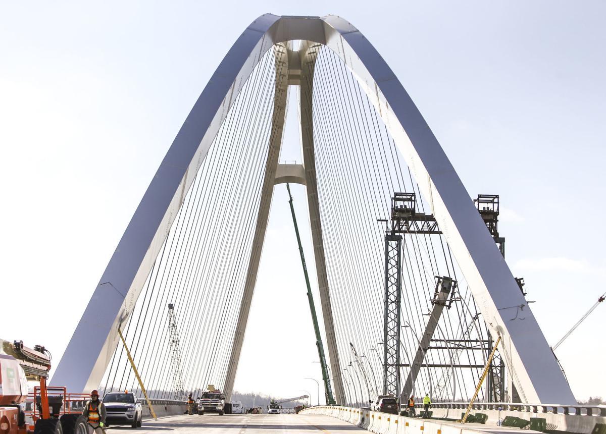 111220-qc-nws-bridge-16.JPG