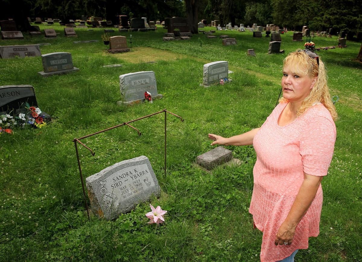 Fairmount Cemetery 01