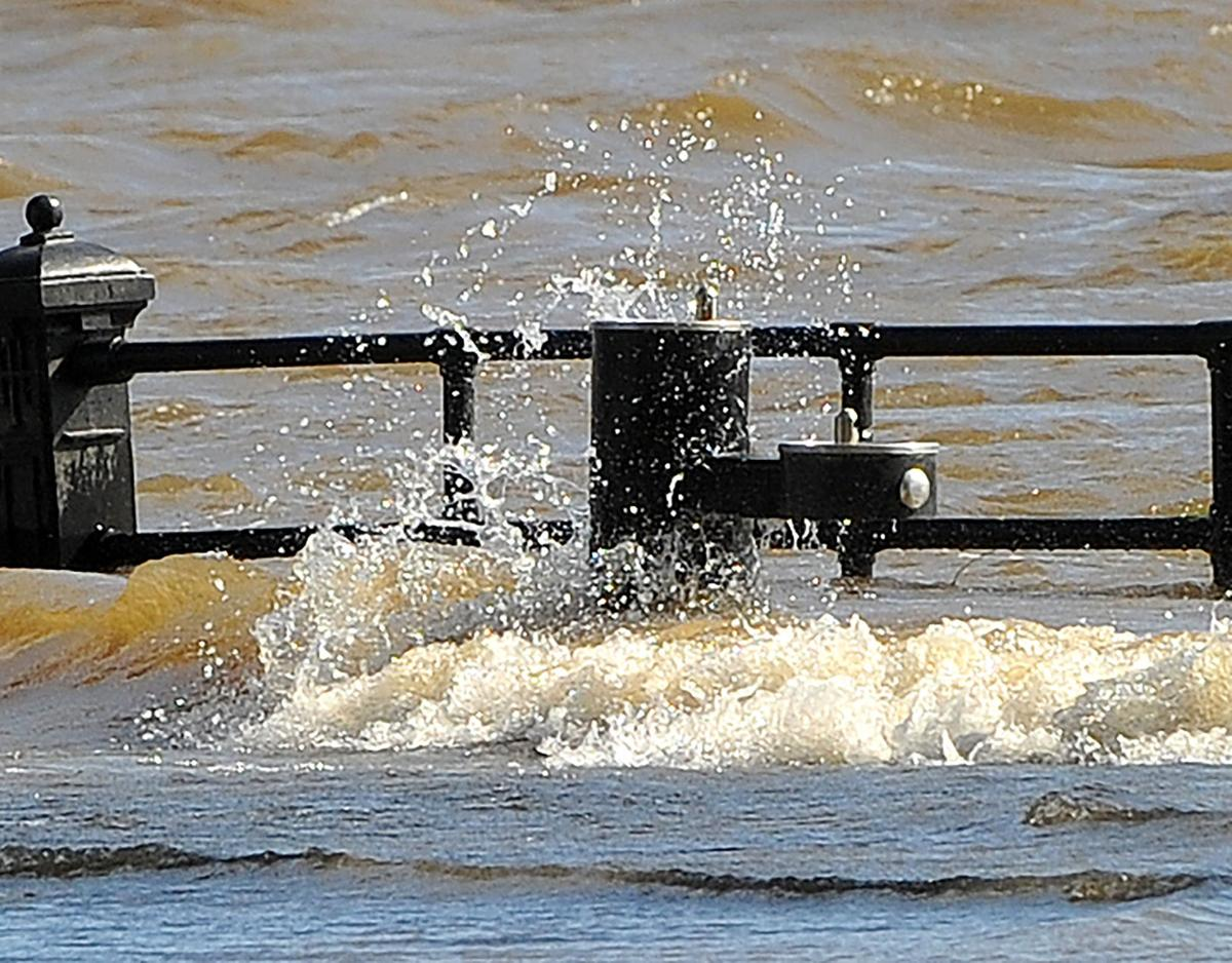 Flood waters and wind on the Davenport Levee