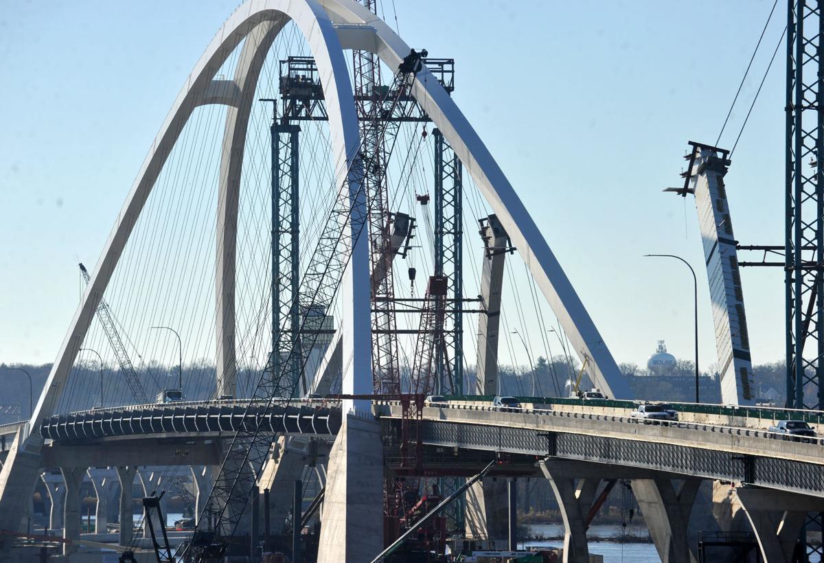 111420-qc-nws-bridge-059