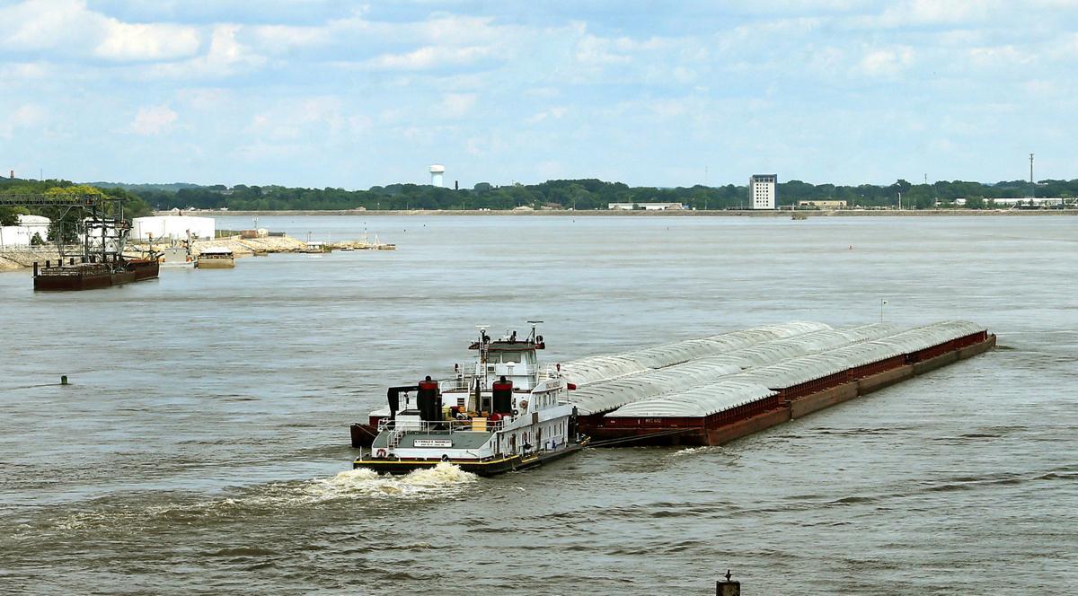 062319-qct-qca-barges-002