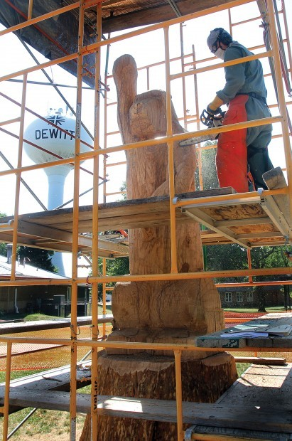 Saber tooth tiger sculpture takes shape in dewitt local