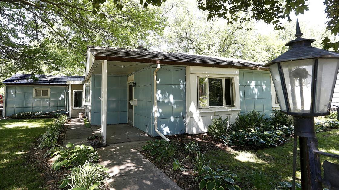 What's that funny-looking house? - Quad City Times