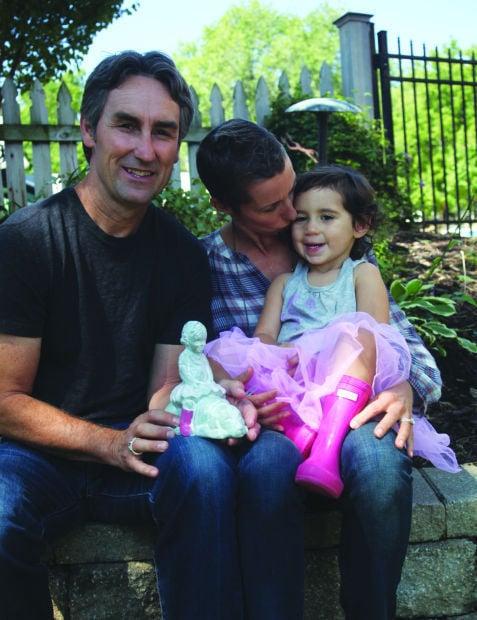 American Pickers Star Isabel Bloom Create Smile Sculpture