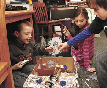 Wondrous Science Project Teaches Electrical Wiring Basics Bettendorf News Wiring 101 Vieworaxxcnl