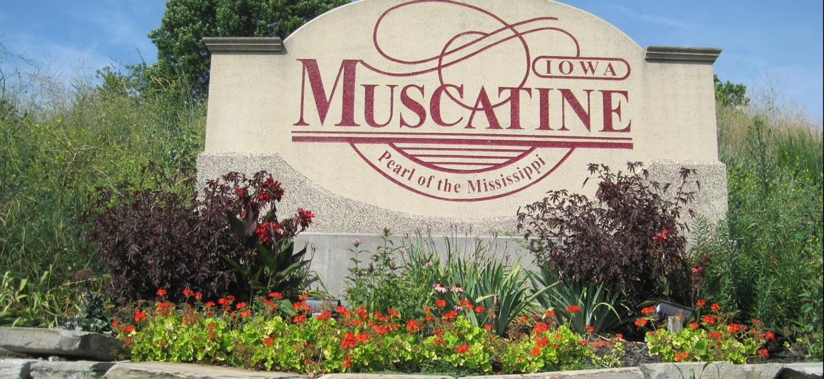 Muscatine Welcome Sign