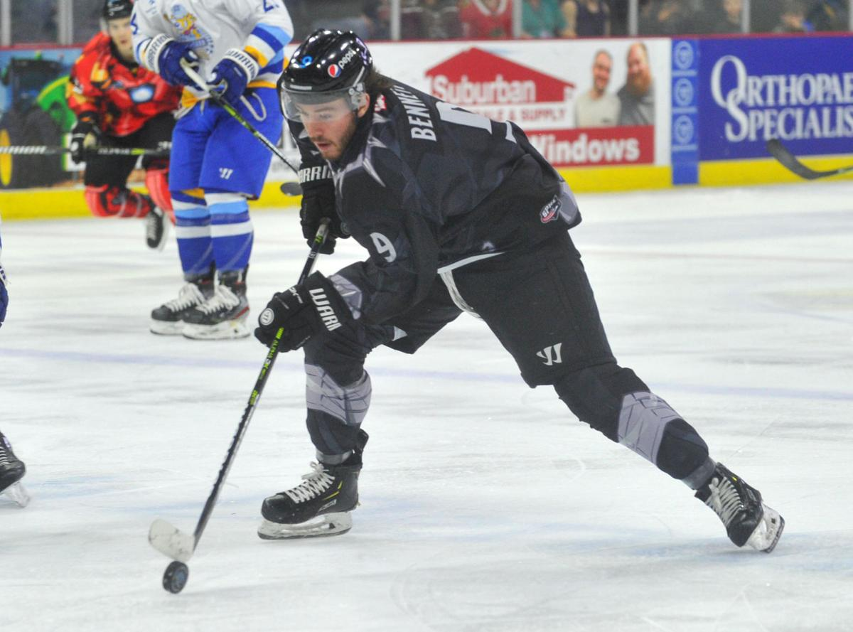 030720-qc-spt-storm-hockey-316