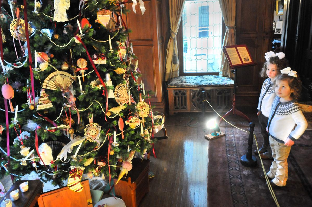 Old fashioned Christmas event in Moline is free family fun | Home
