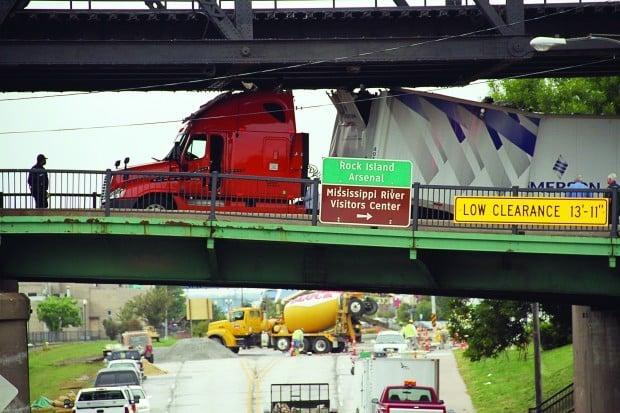 Truck_crash_091911