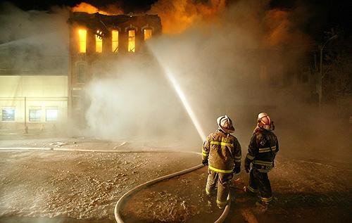 Maquoketa fire destroys downtown buildings; 15 departments battle blaze