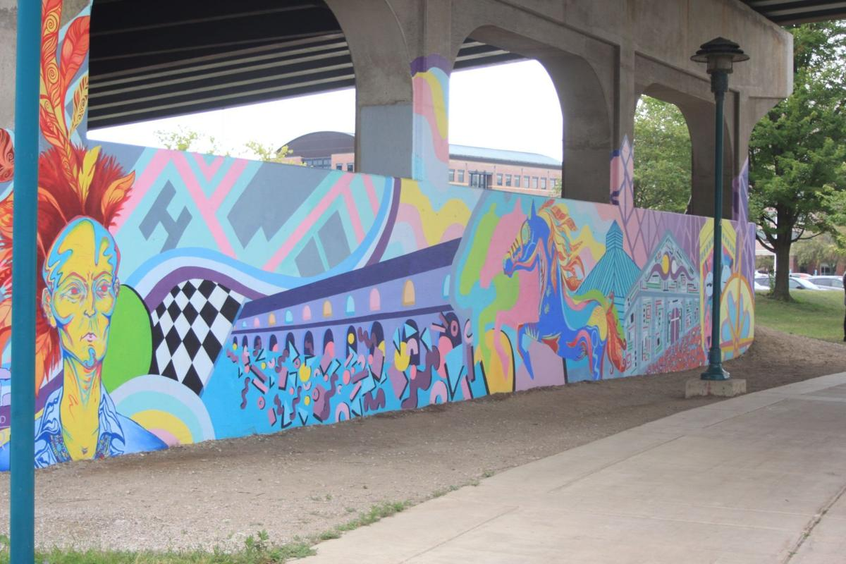 Moline unveils new mural
