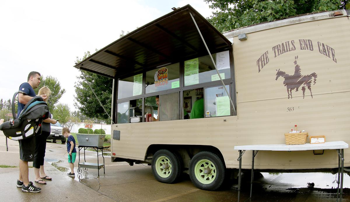 091616-Trails-End-Food-Truck-002