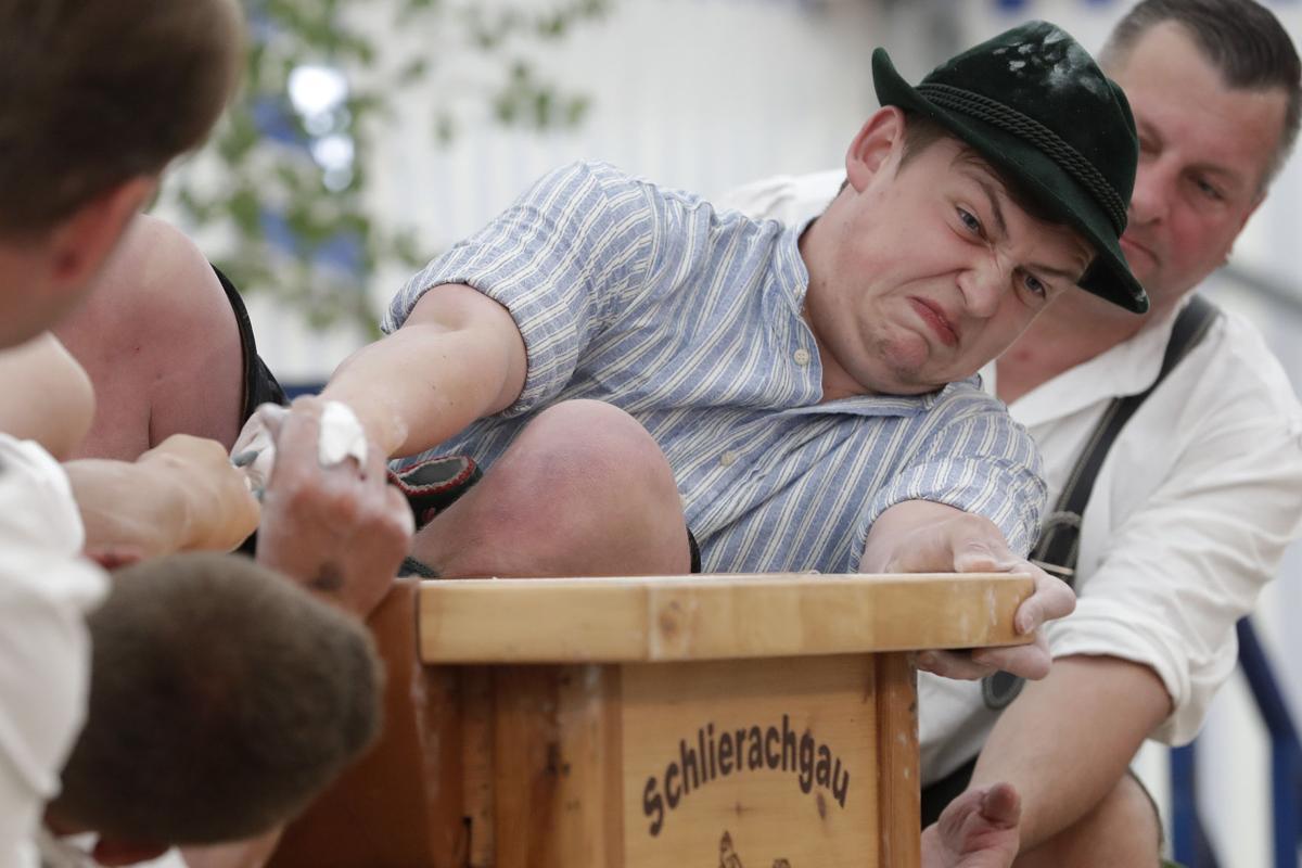 Germany Finger Wrestling