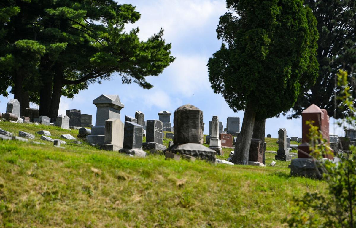 081821-qc-nws-burial-002