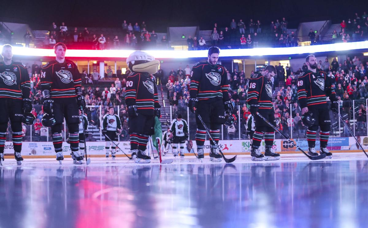 030218-UTAH-GRIZZLIES-MALLARDS-010