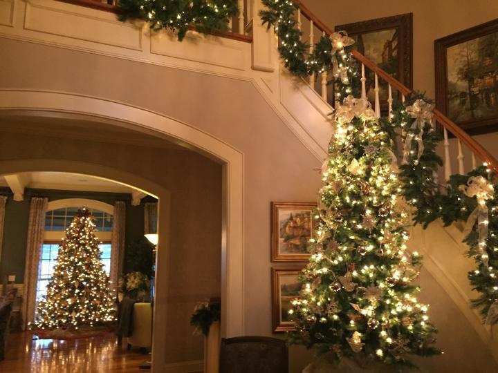 Holiday Decorated Homes Open For Tours