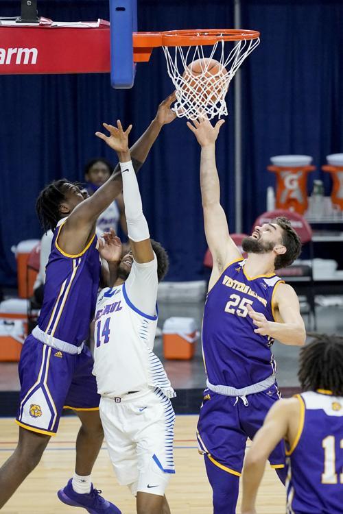 W Illinois DePaul Basketball