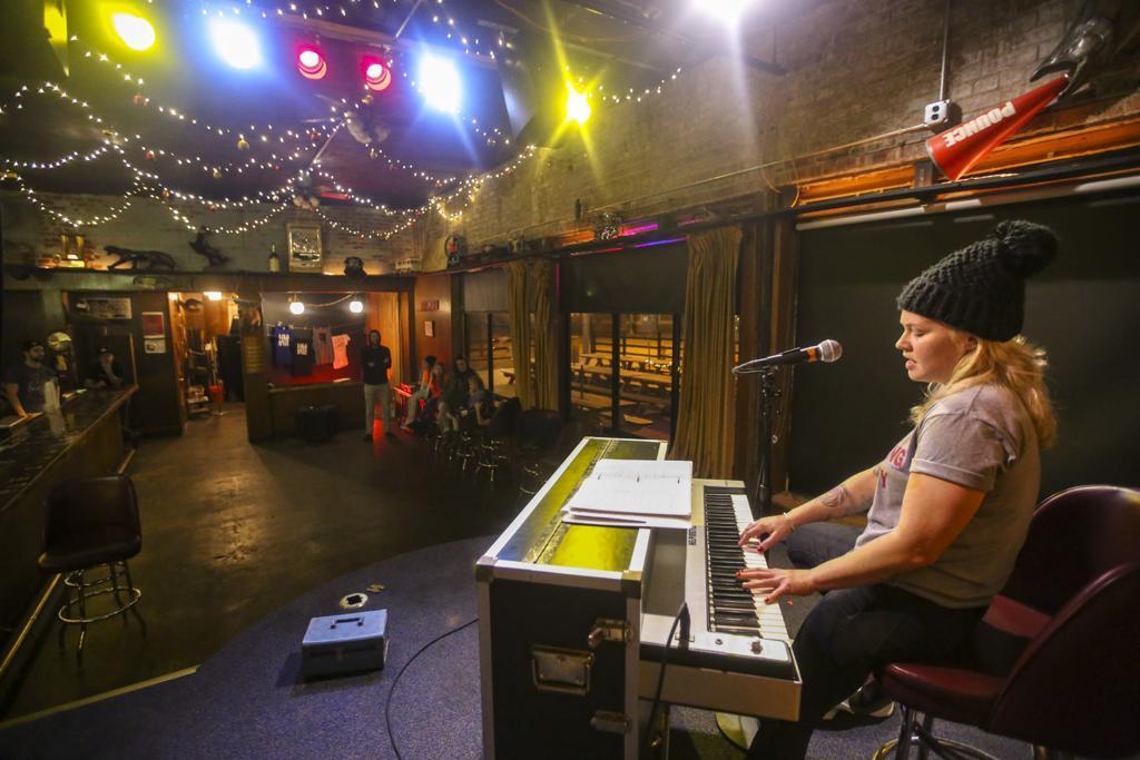A look back at the Raccoon Motel | Music | qctimes com