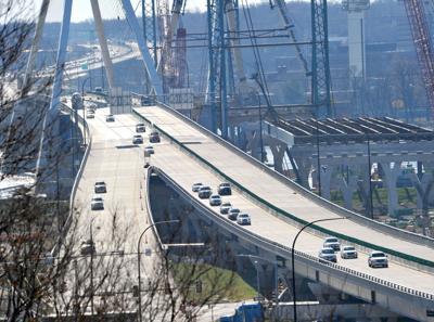 111420-qc-nws-bridge-080