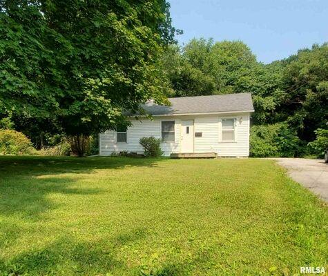 2 Bedroom Home in Moline - $80,000