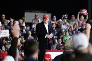 Trump touts ethanol, farm policy in Iowa visit