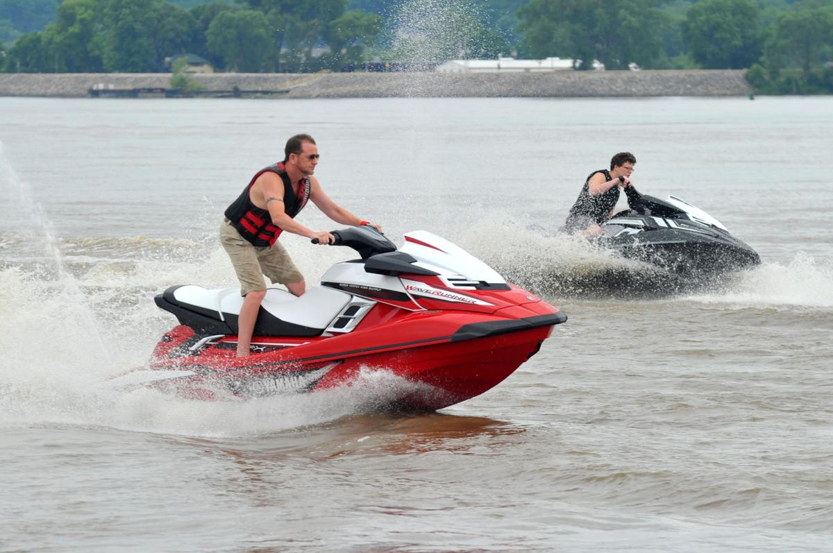 Waverunner Trip Raised 7 000 For Disabled Vets Local News Qctimes Com