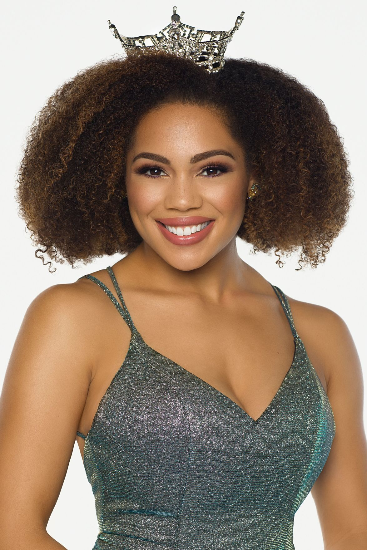 Miss Iowa 2018 Mikhayla Hughes-Shaw