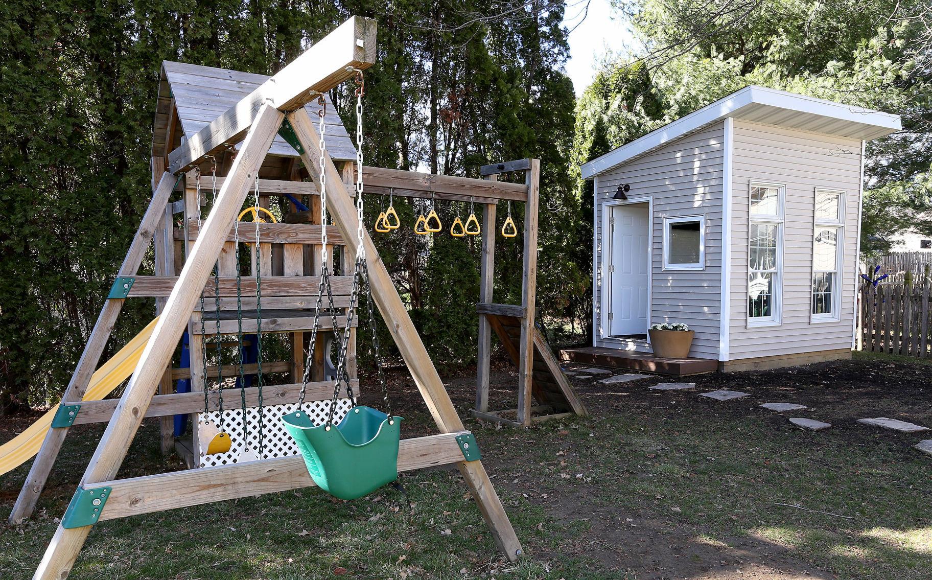 Close commute Bettendorf man builds backyard office