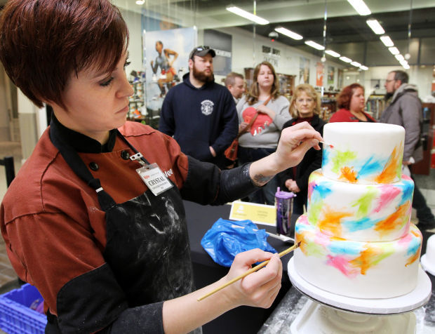 Cake designers converge on QC to compete in HyVee challenge