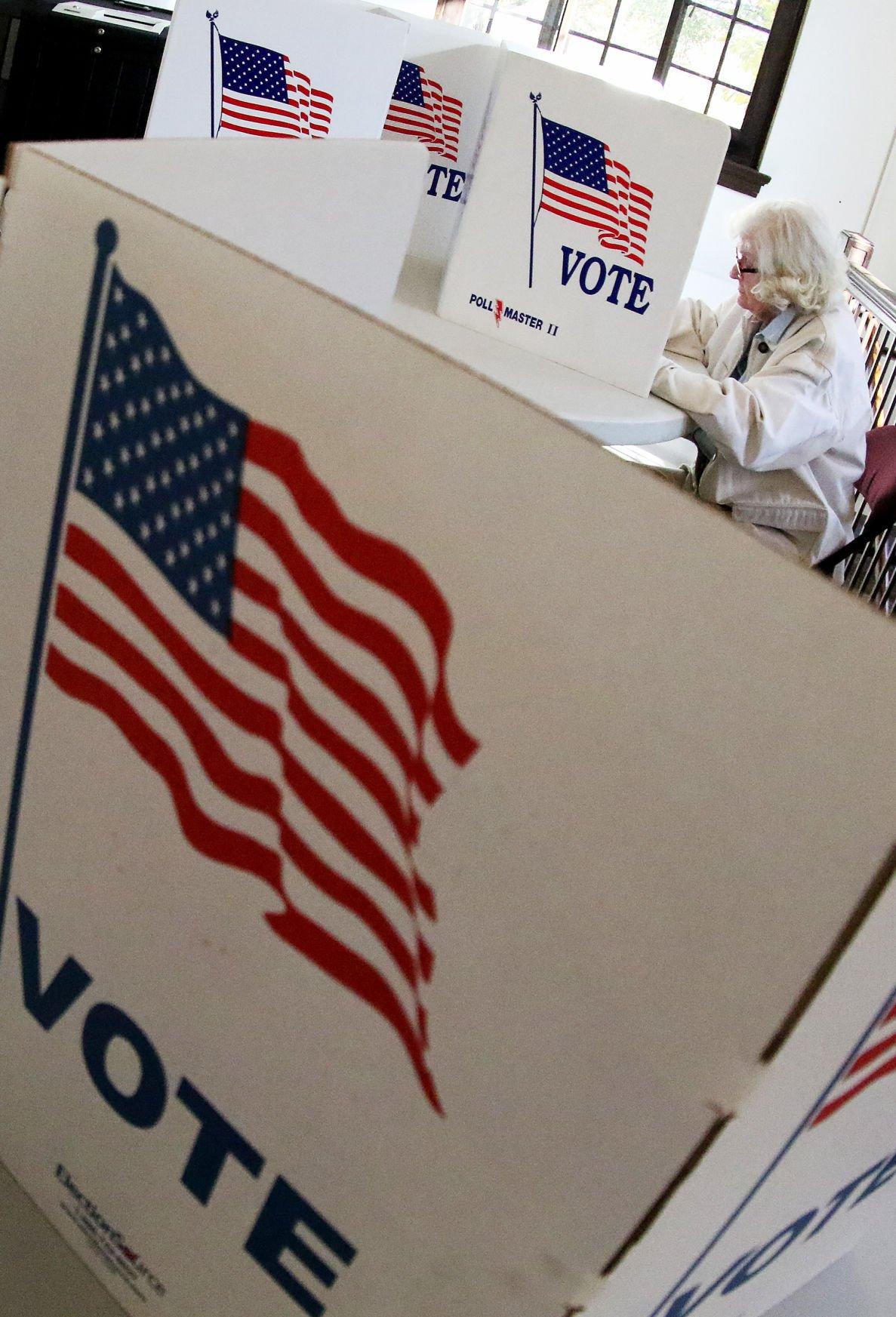 110816-Election-JS-004