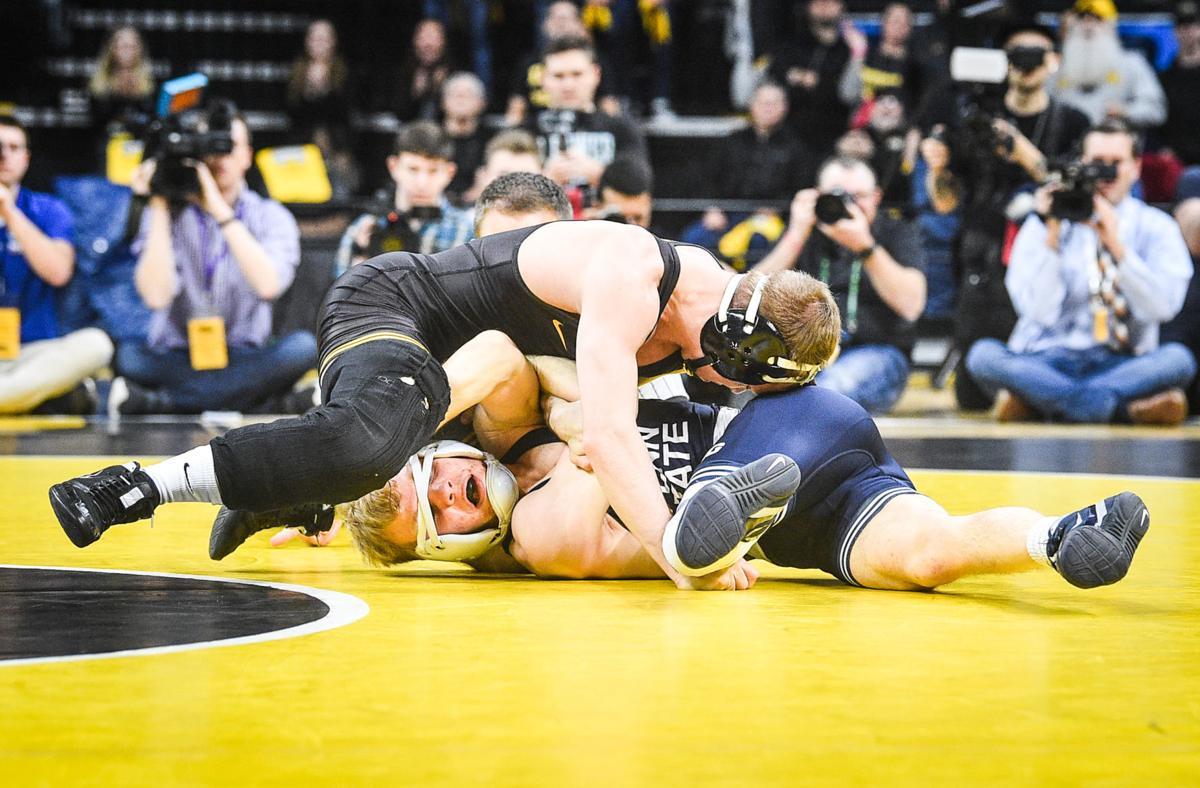 013120-qc-spt-iowa-wrestling-002