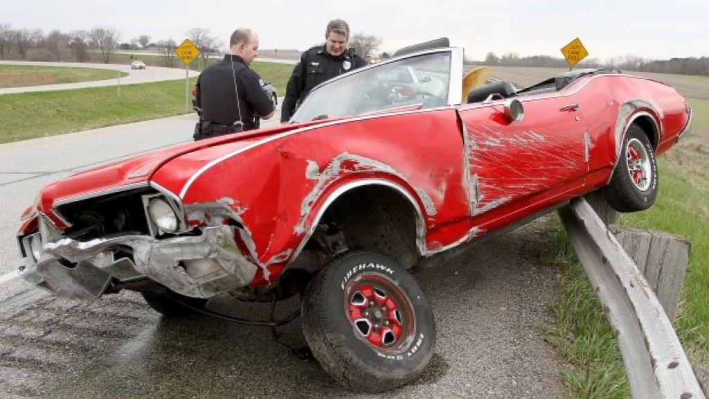 Crash damages vintage car | Local News | qctimes.com