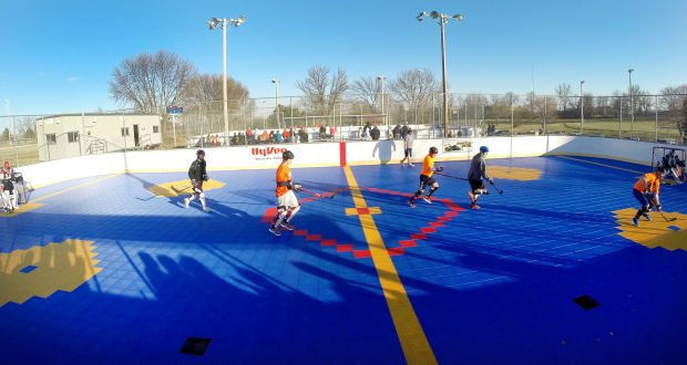 Q-C Dekhockey attracts the entire family | Local News