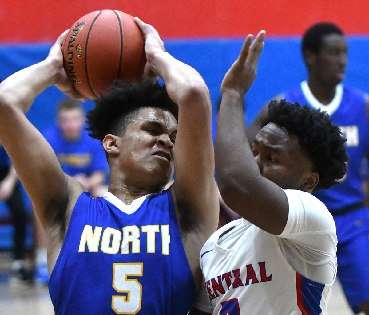 Davenport North vs Davenport Central boys basketball.