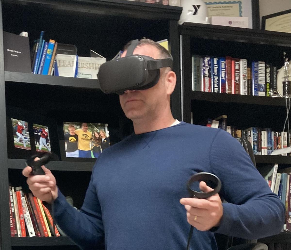 120920-qc-nws-virtualreality